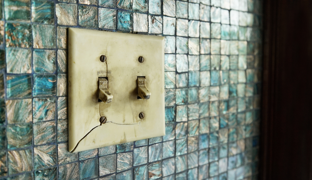 broken light switch
